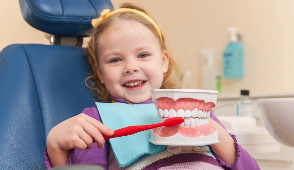 A qué edad la primera visita al odontologo